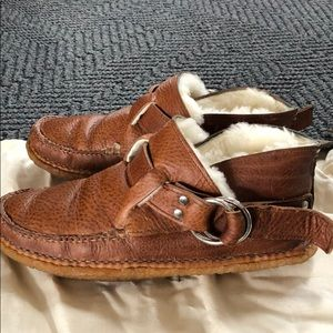 Quoddy Shoes - QUODDY Shearling lined ring booties